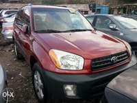 Super sharp foreign used 2004 Toyota Rav4. Maroon color 0