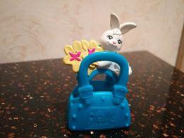 Игрушка из резины,кольцо-заяц в корзине
