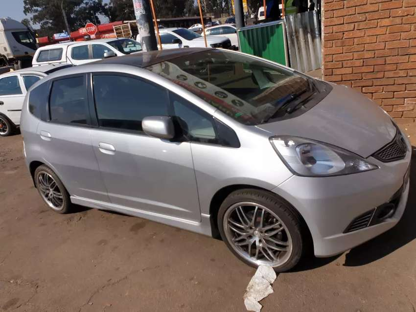 Honda jazz 1.5 engine 152000km price 68000 0