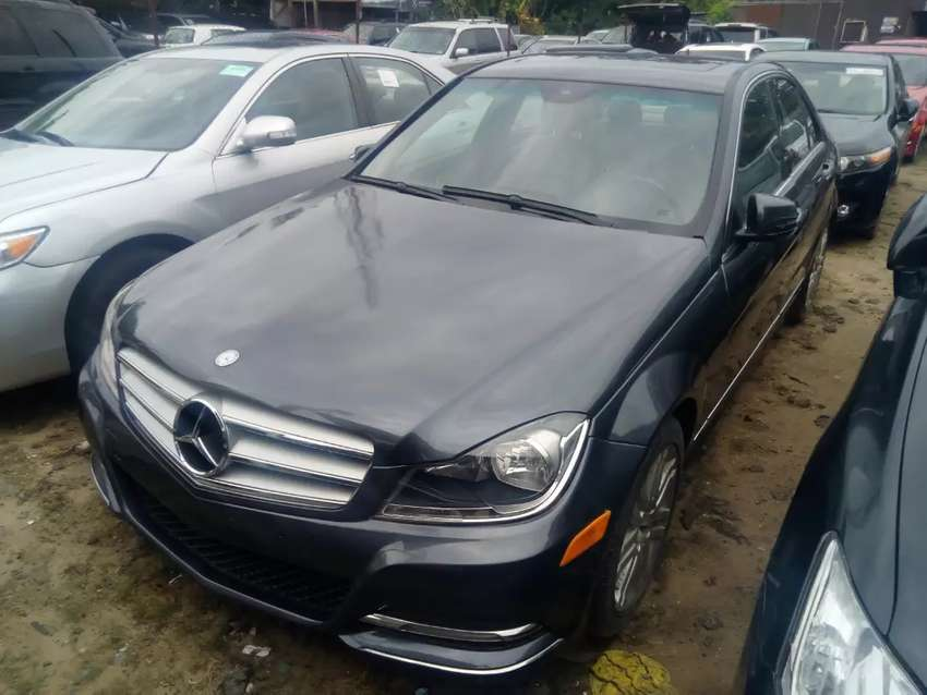 Tincan cleared tokunbo Mercedes Benz c300 09 upgraded to 013 fuloption 0
