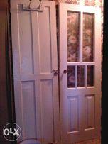 Продаю Двери белые б/у в хорошем состоянии.