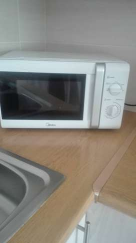 Microwave  good condition still like new