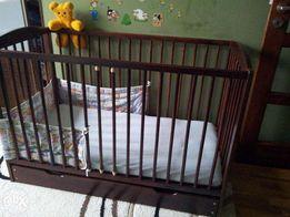 łóżeczko dziecięce z szufladą i materac, prześciadła,ochraniar