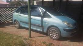 Citroen Xsara Picaso stripping for spares10