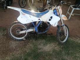 Yamaha yz 125. 1993 stripping for spares