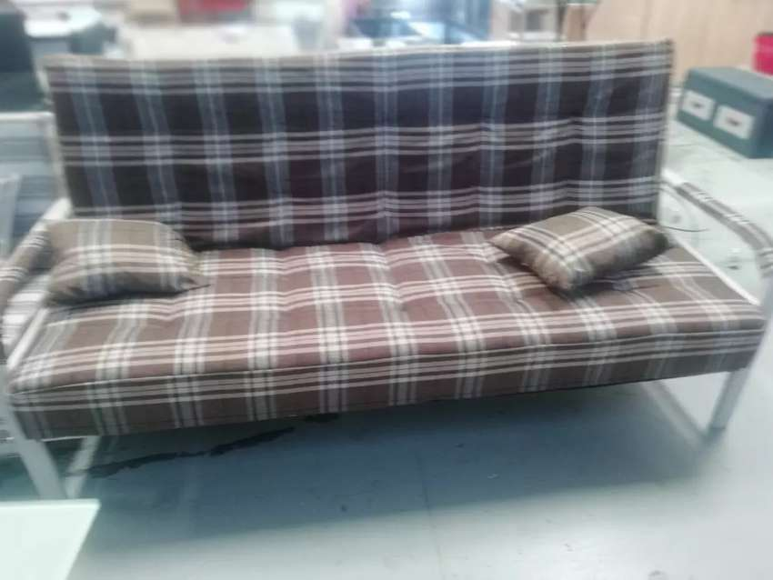 Brand new Sleepers Couches of excellent quality in boxes. 0