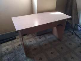 Desk for sale in good condition