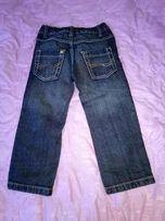 Продам детские джинсы.