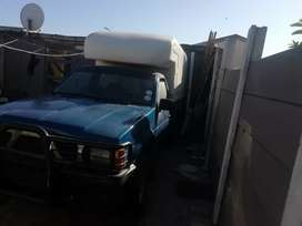 Hi nunrunner bakkie with new license body good condition tyre good t