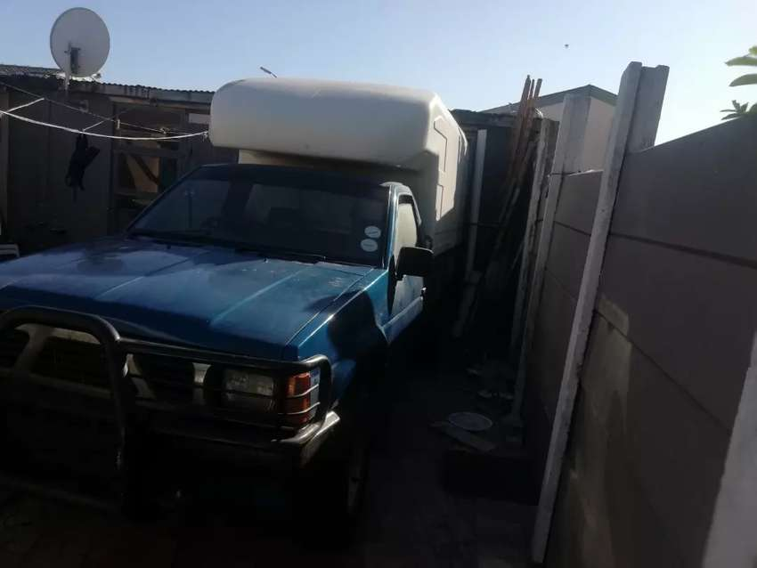 Hi nunrunner bakkie with new license body good condition tyre good t 0
