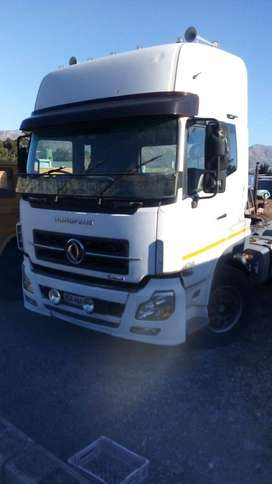 Dongfeng DCI 420..Double axle Horse Model 2012 Km...530 000 Price R220