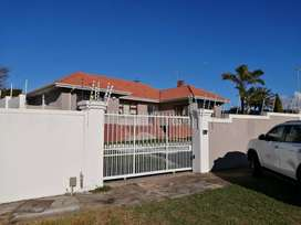 Humewood home FOR SALE