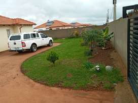 Clean House to rent in Azaadville gardens