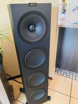 Kef Q950 floorstandings with magnetic grills and boxes