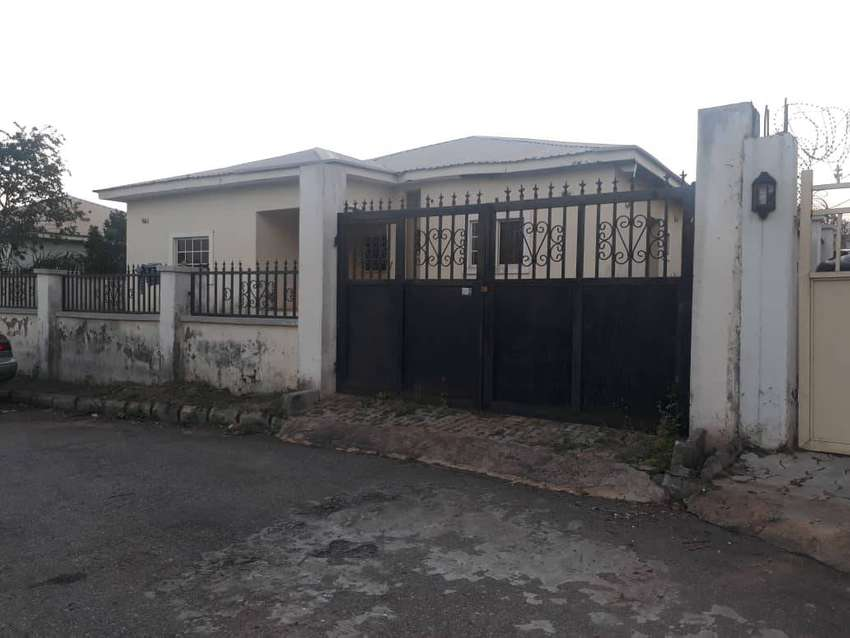 4 bedrooms Detached Bungalow(on 800sqm) at Cityview Estate Dakwo Abuja 0