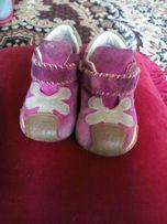 Замшевые ботиночки на малышку сhicco р. 18