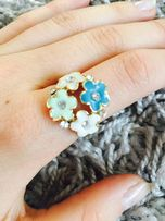 pierścionek kwiatuszki z cyrkoniami L