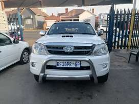 2009 Toyota Fortuner 3.0 D4D 4x4 with a leather seat