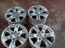 Priced to go,Fit a nice set of 17'' Ford Ranger mags