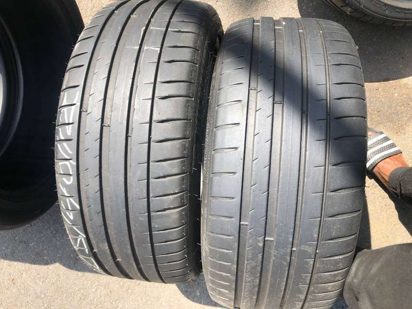 225 40 R17 Michelin PilotSport Tyres 0