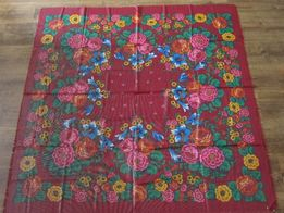 Большой платок с орнаментом 140 на 140 см
