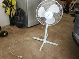 Fan stand for sale