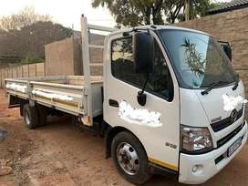 2016 Hino 300 315 with dropside