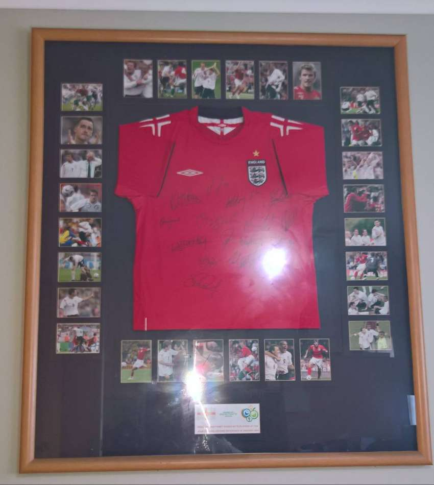 Framed England away football shirt signed by 15 players 2006 world 0