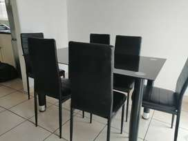 6 seater dinning set(tempered glass-black)