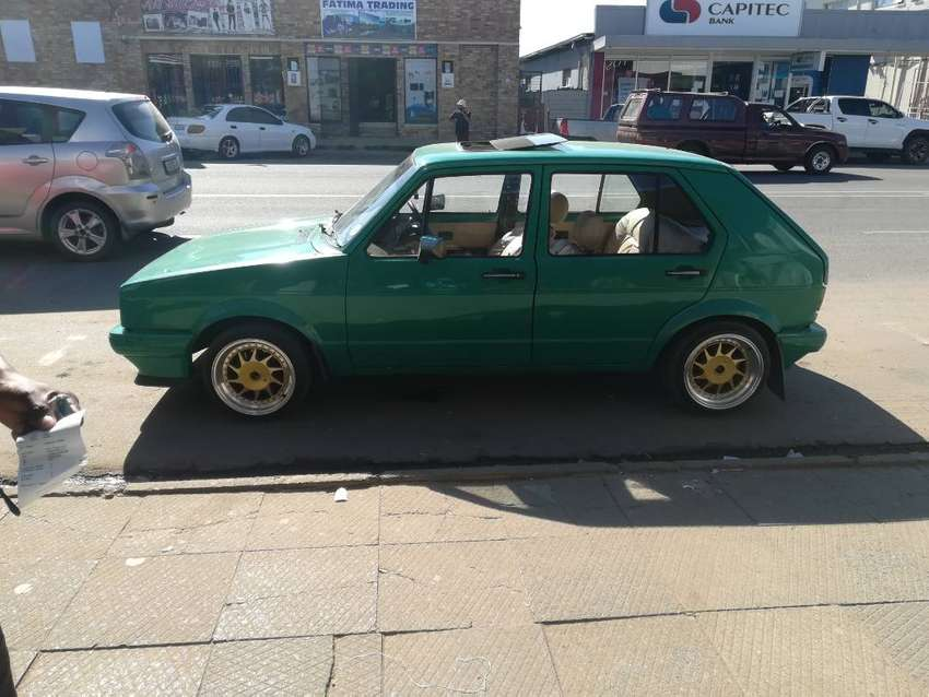 Am selling my golf 1 1.4 carb good runner and reliable car 0