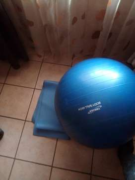 Fitness ball and met