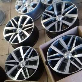 18'' Original Toyota Hilux/Fortuner mags set for R8999.
