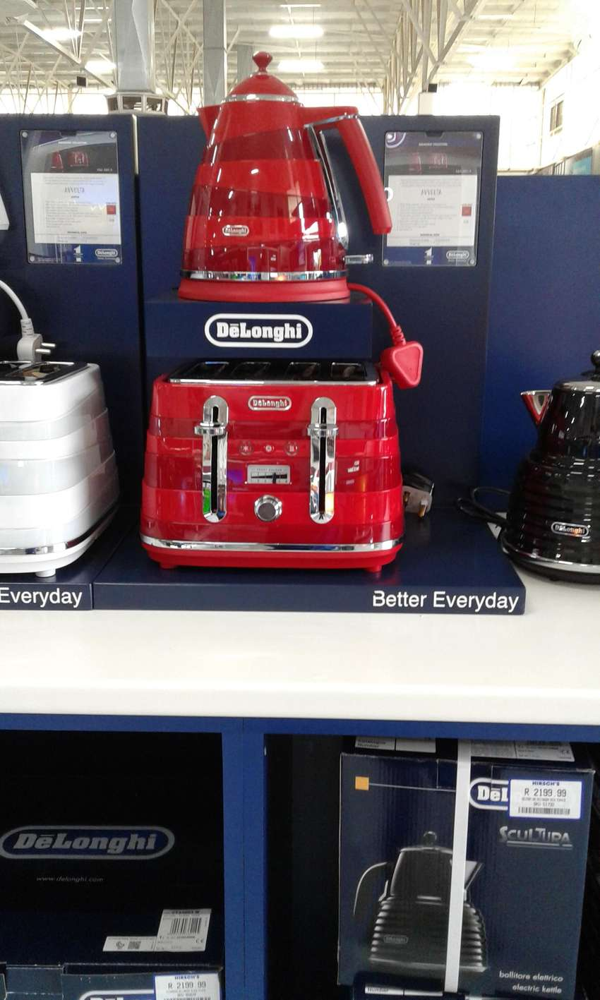 delonghi kettle and toaster 0