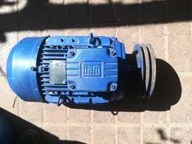 Electric motor 3 phase 5,5kw.  Recently serviced.