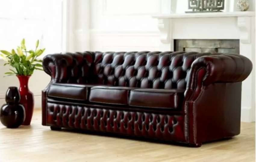 Meana Chester field couch 0