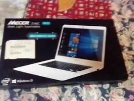 Laptop Mercer white