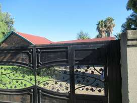 Upcoming Auction: 15 Bedroom commune in Vanderijlpark