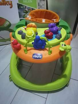 CHICCO BABY WALKING RING