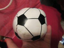 игрушка мяч как футбольный но маленький