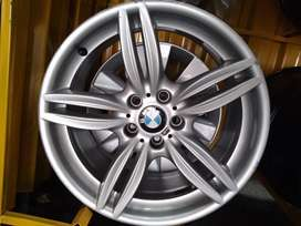 A set of 19inches BMW mag wheels