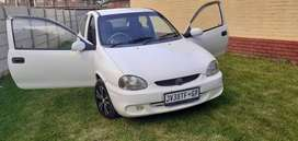 White Ople Corsa lite FOR SALE.
