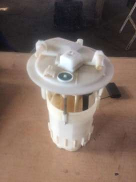 Renault 1.9 DCI fuel pump for sale