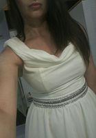 Sprzedam śliczna kremowa sukienkę S