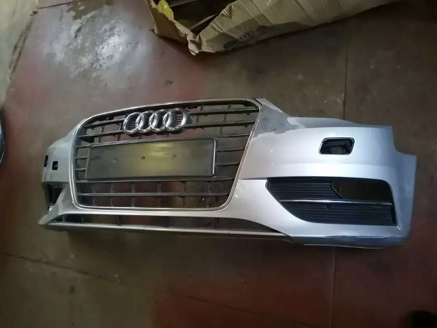 Audi A3 2013 front bumper with the grill 0