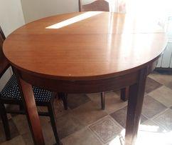 Stół drewniany okrągły rozkładany.