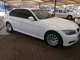 BMW 320I GOOD FAIR CONDITION LIGHT ON FUEL