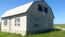 Продам земельну ділянку в селищі Турійськ з недобудованим будинком.