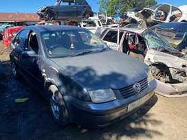VW JETTA 4 (1.6)-STRIPPING FOR SPARES