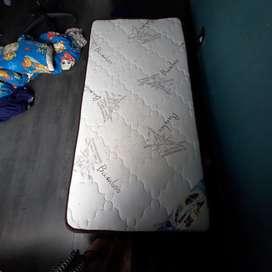Bamboo back master single matress Barely used