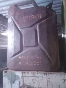 Old Castrol can